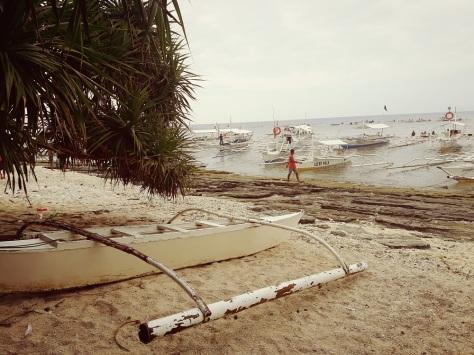 eatplaylog alona beach panglao island hopping beach balicasag seashore